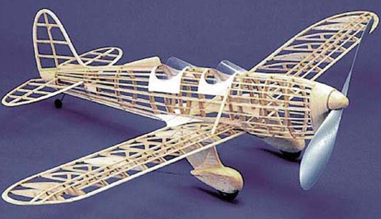 vyrezy lietadla